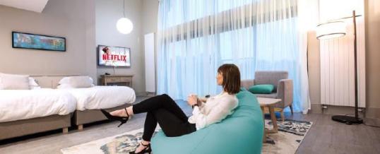 Philips Professional Display Solutions präsentiert Netflix für die MediaSuite TV-Serie