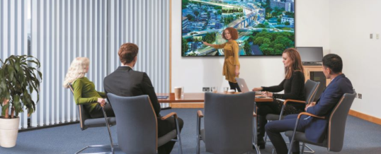 Philips Professional Display Solutions revolutioniert Meetings mit den brandneuen C-Line-Displays