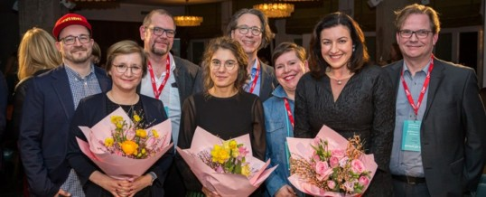 "Neues Veranstaltungsformat ""Landau Media Fishbowl"" mit Digitalstaatsministerin Dorothee Bär und VW-Plattform-Strategin Anna-Lena Müller begeistert die PR-Branche"