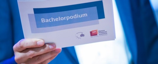 HPI-Bachelorpodium: Studierende präsentieren 13 innovative IT-Projekte